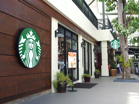 How Does Starbucks Help Felons?