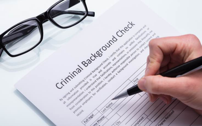 Will a Juvenile Felony Show Up on a Background Check Appear