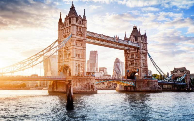 can felon travel to london