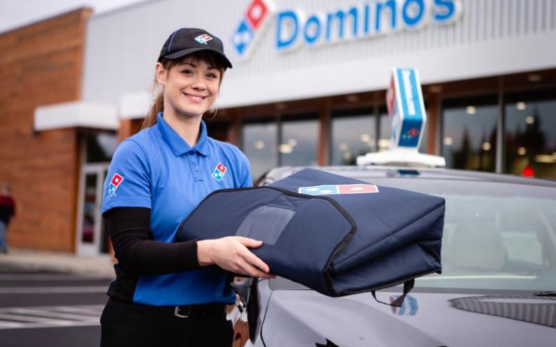 does dominos hire felon