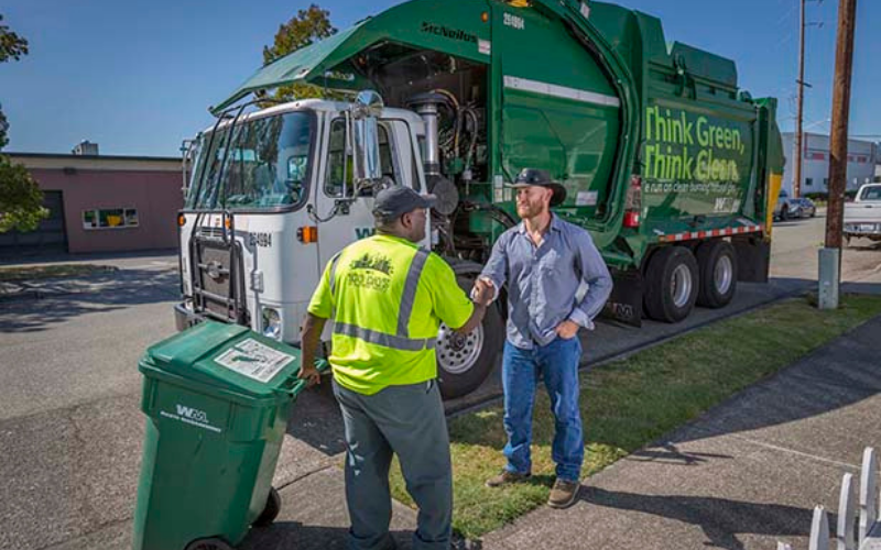 does waste management hire felon tips