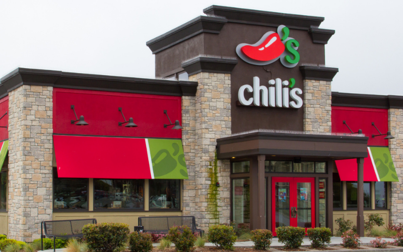 does chilis hire felons