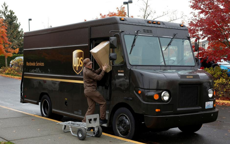 how much do the ups driver make