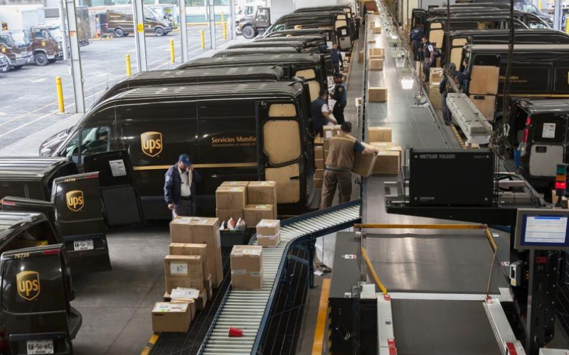 how much do ups driver make